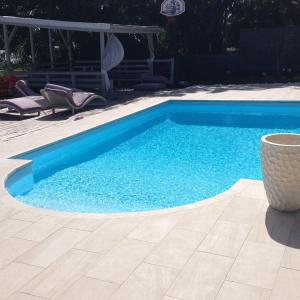 Construction piscine Guadeloupe